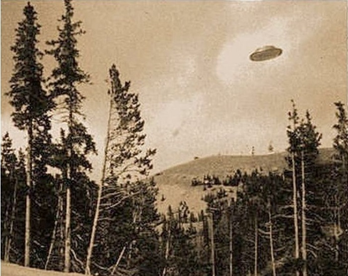 They Came Here First: The Strange History of UFOs in the Pacific Northwest